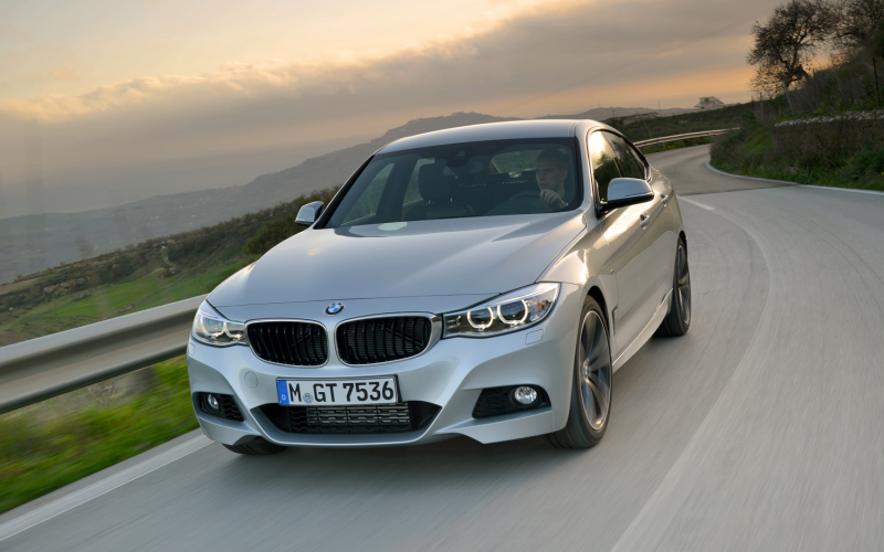 2014 Bmw 335I Gran Turismo Front End In Motion