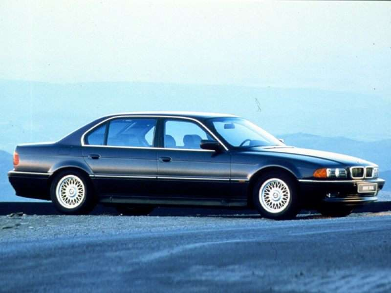 1999 BMW 740 Pictures
