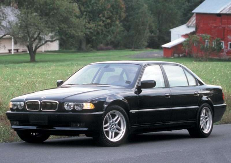 2001 BMW 740 Pictures