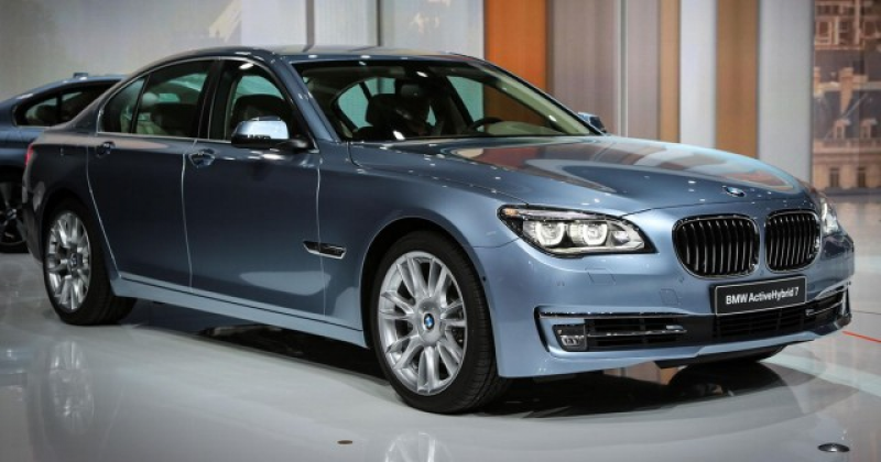2015 BMW ActiveHybrid 7 Technology Features