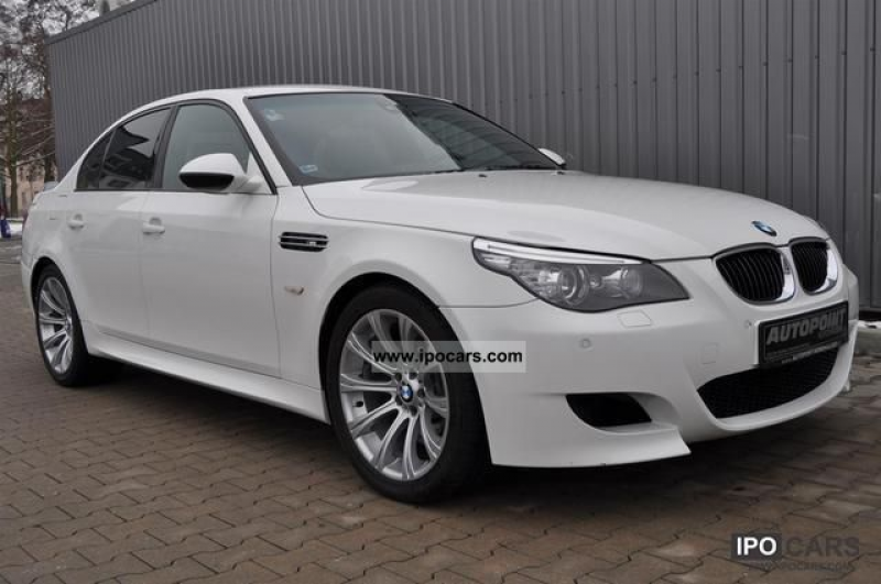 2009 BMW M5 SMG / Xenon / white leather Limousine Used vehicle photo 1