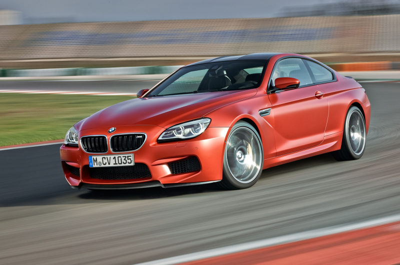 2016 BMW M6 front three quarter in motion 11