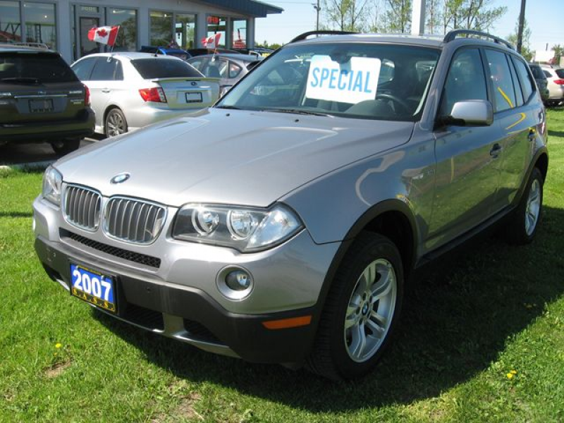 Loaded leather 2007 BMW X3 low kms! Just add H.S.T. & Licensing HST ...