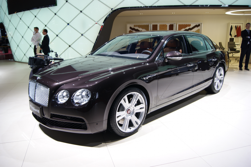 2015 Bentley Flying Spur Front Three Quarters