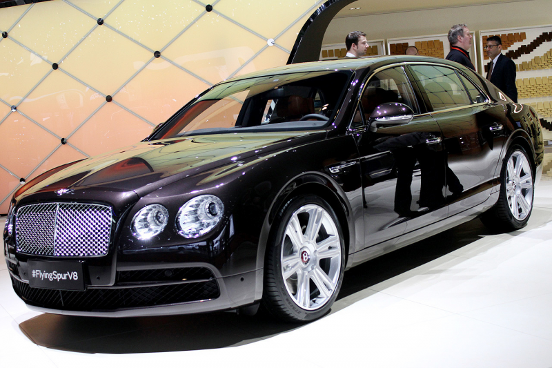2015 Bentley Flying Spur V8 ve Continental GT Speed Cenevre'de ...