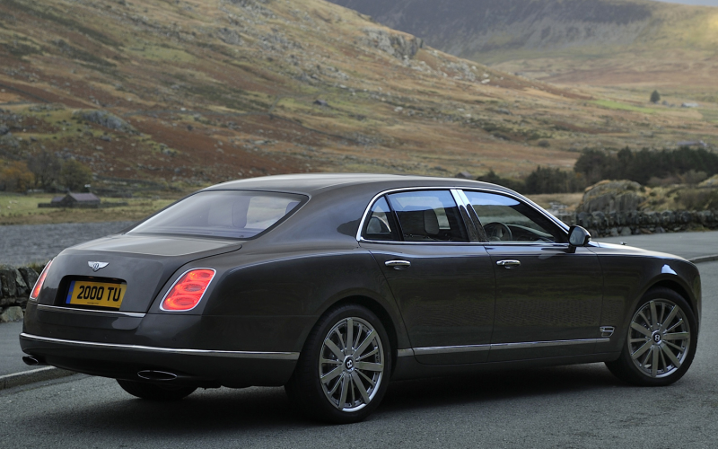 Bentley Mulsanne Adds Duck-Down-Filled Cushions, Other Interior ...