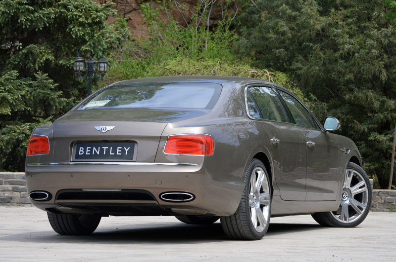 04-2014-bentley-flying-spur-fd.jpg