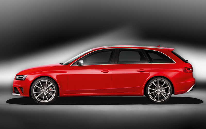 2013 Audi RS4 Avant Photo Gallery