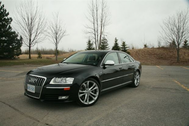 Read about the Autos.ca Test Drive: 2009 Audi S8