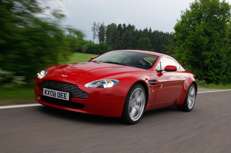 2014 Aston Martin V8 Vantage Three Quarters In Motion Side View