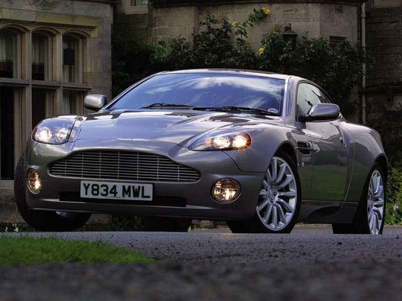 2002 Aston Martin V12 Vanquish car specifications