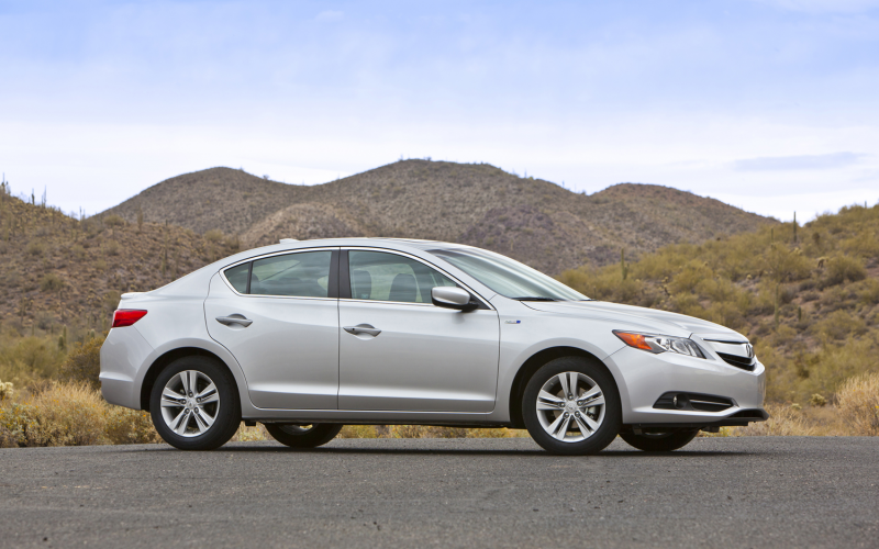 2013 Acura ILX Hybrid Photo Gallery