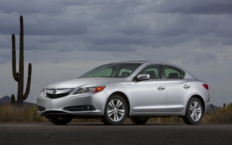 2013 Acura Ilx Hybrid Front Three Quarter 2