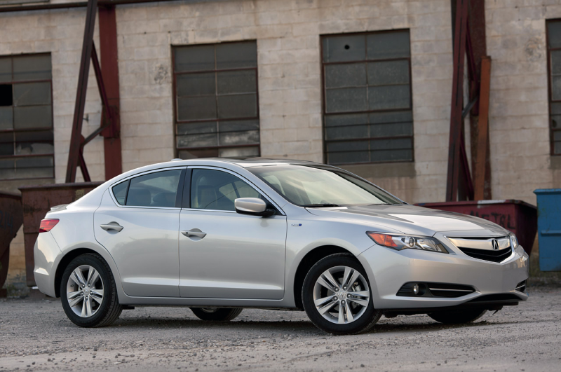 01-2013-acura-ilx-hybrid-review.jpg