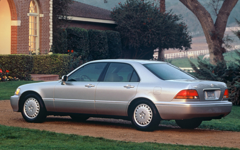 MT Then and Now: 2014 Acura RLX, 1997-2009 Acura RL Photo Gallery