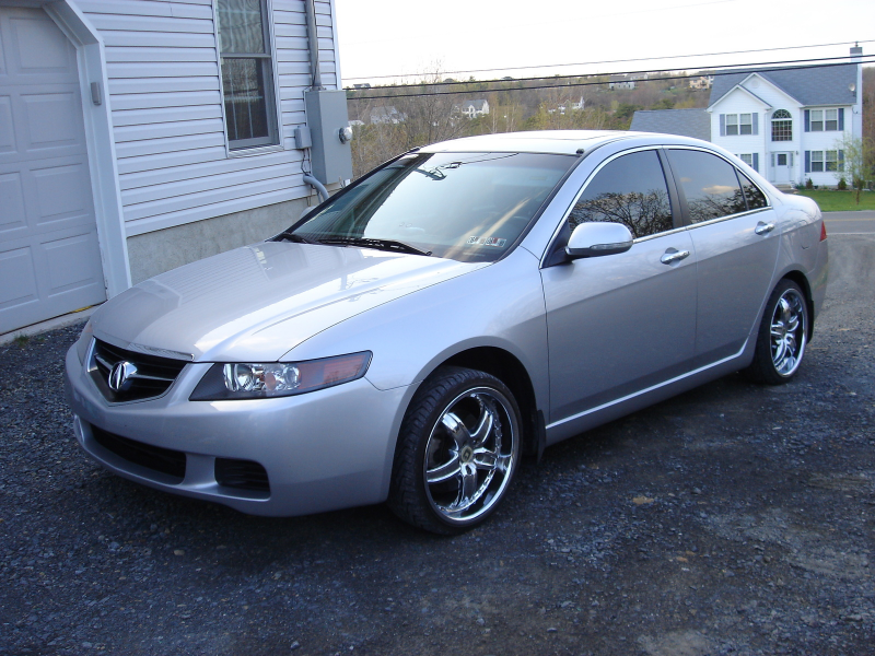 The 2004 TSX is a new model from Acura, set to replace the less ...
