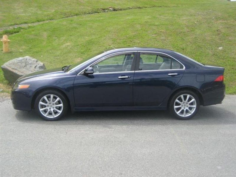 The 2008 Acura TSX - luxury sporty and classy. With low kilometers and ...