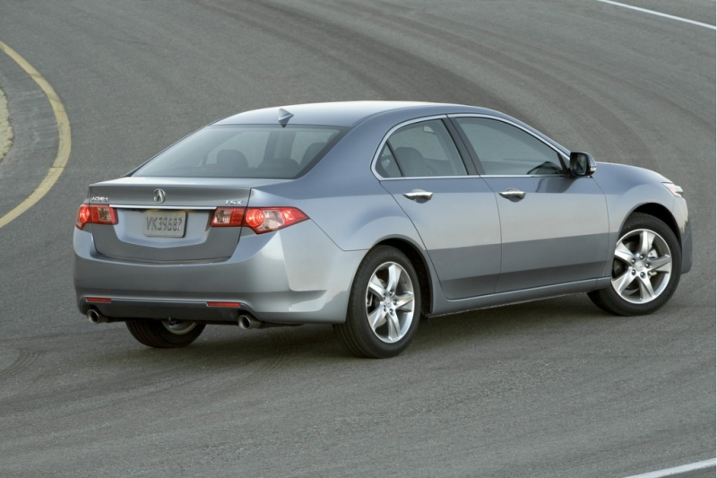 2011 Acura TSX Gets a Small Facelift and More MPG