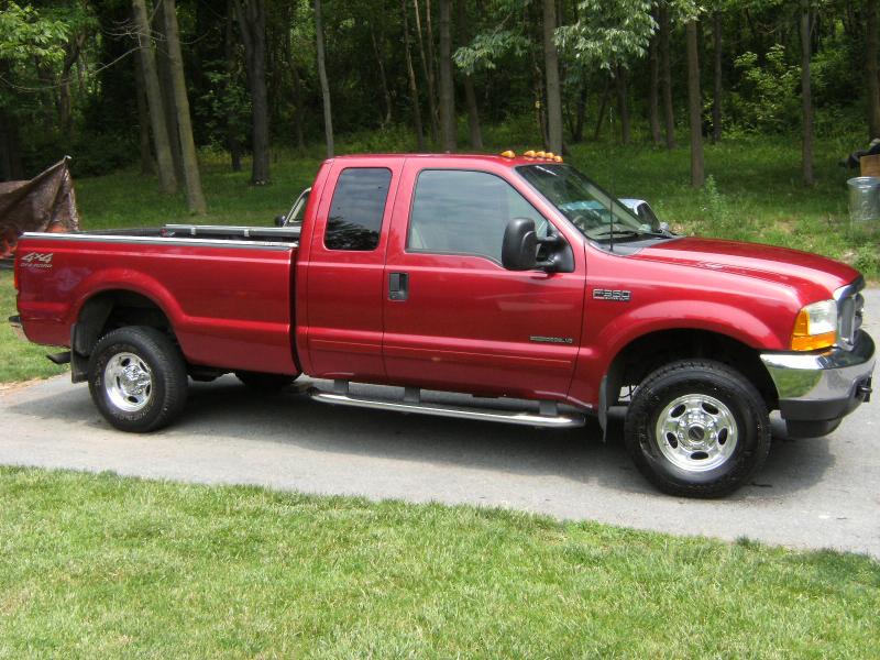 Ford F-350 Super Duty Supercab Red Color