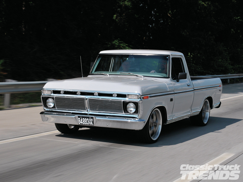 1974 Ford F 100 Front Three Quarter Motion