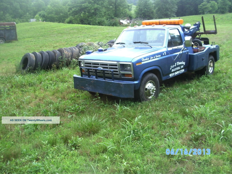 1983 Ford F 350 Wreckers photo 2