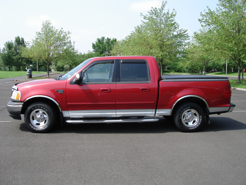 2002 Ford F-150 4 Dr XLT Crew Cab SB picture, exterior