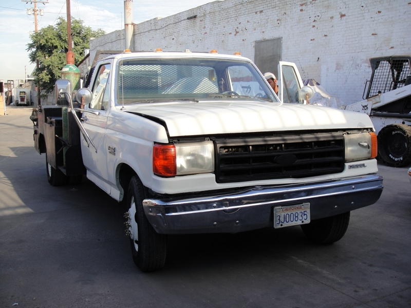 1987 Ford F350 truck with welding machine