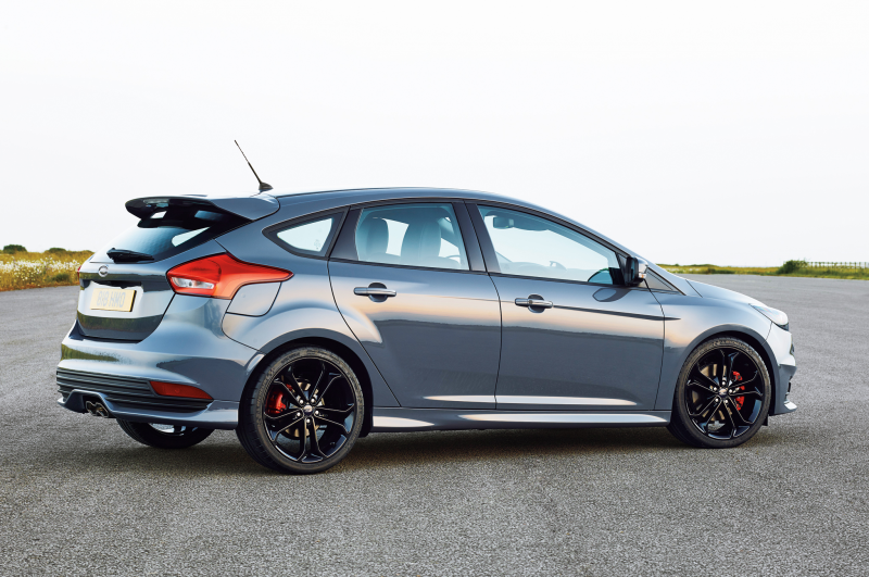 2015 Ford Focus ST TDCi First Look Photo Gallery