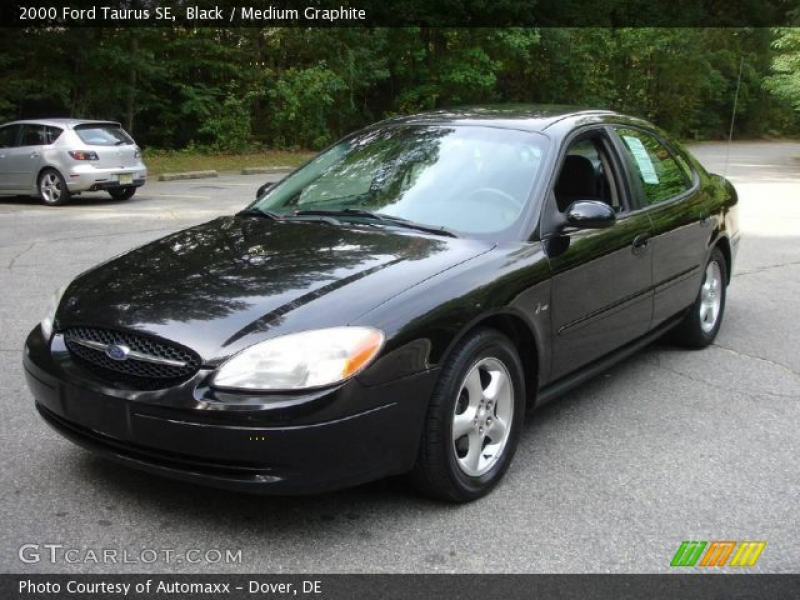 2000 Ford Taurus SE in Black. Click to see large photo.