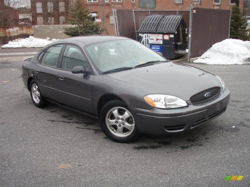 Dark Shadow Gray Clearcoat Metal 2004 Ford Taurus SES with Light Gray ...