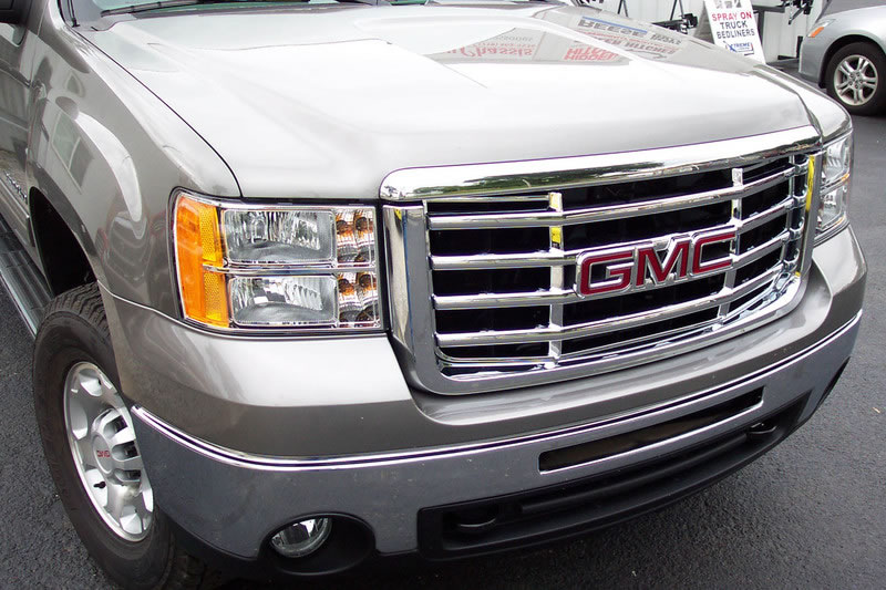 New for 2009 GMC Chrome Grille