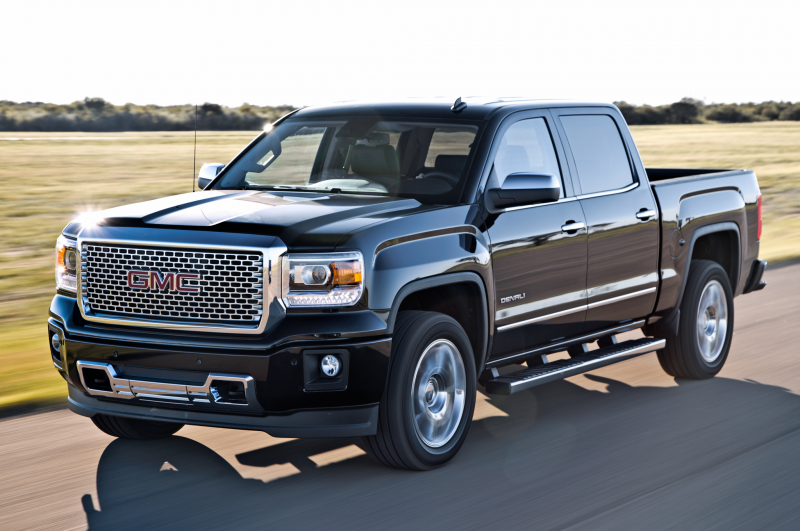 2014 Gmc Sierra Denali 1500 Front Three Quarters View In Motion
