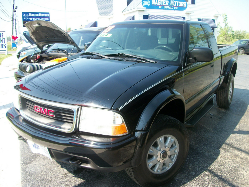 2003 GMC Sonoma Overview