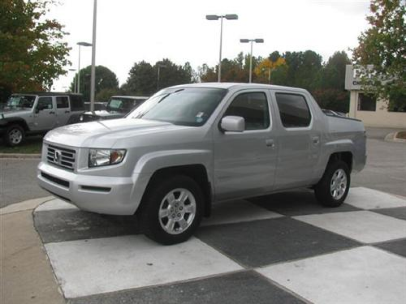 2011 Honda Ridgeline RTL w/ Leather and Navigation