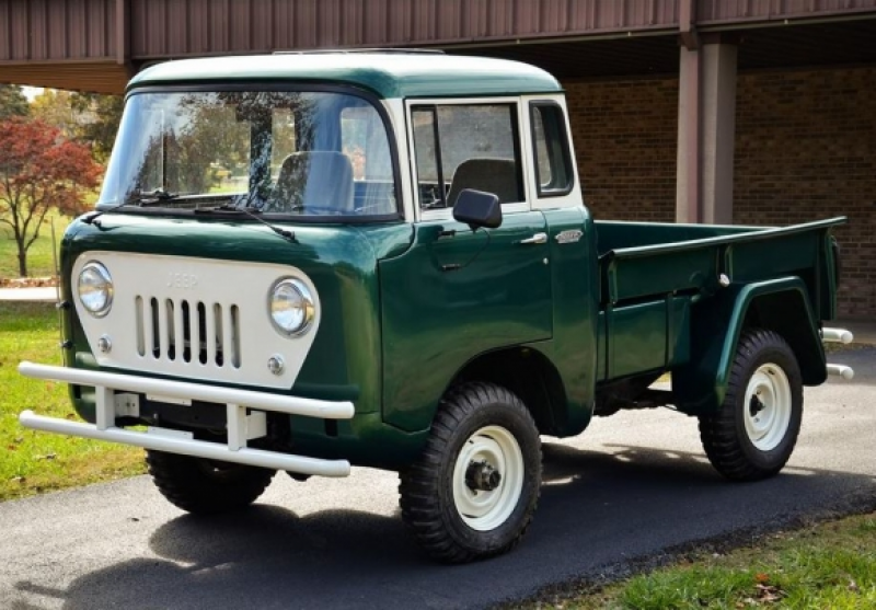 1961 Willys Jeep FC150 Front