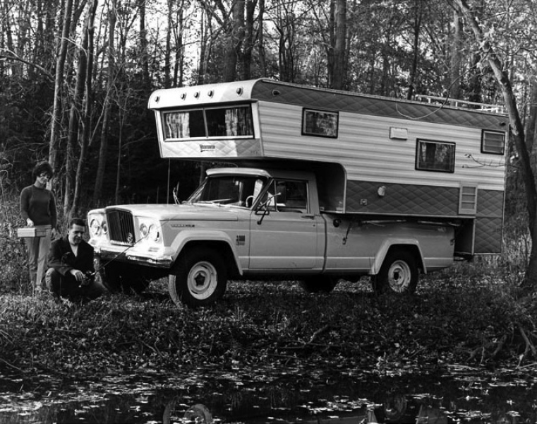 1969+Jeep+Gladiator+Camper+Truck+Factory+Photo.jpg