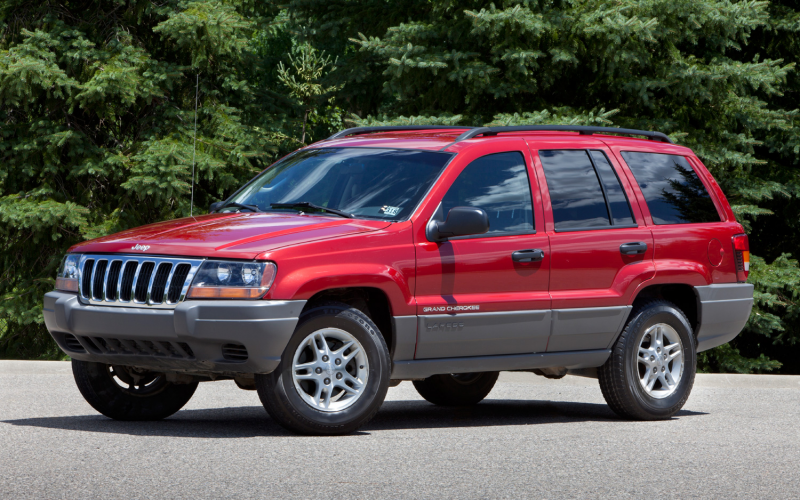 2002 Jeep Grand Cherokee Front Three Quarter